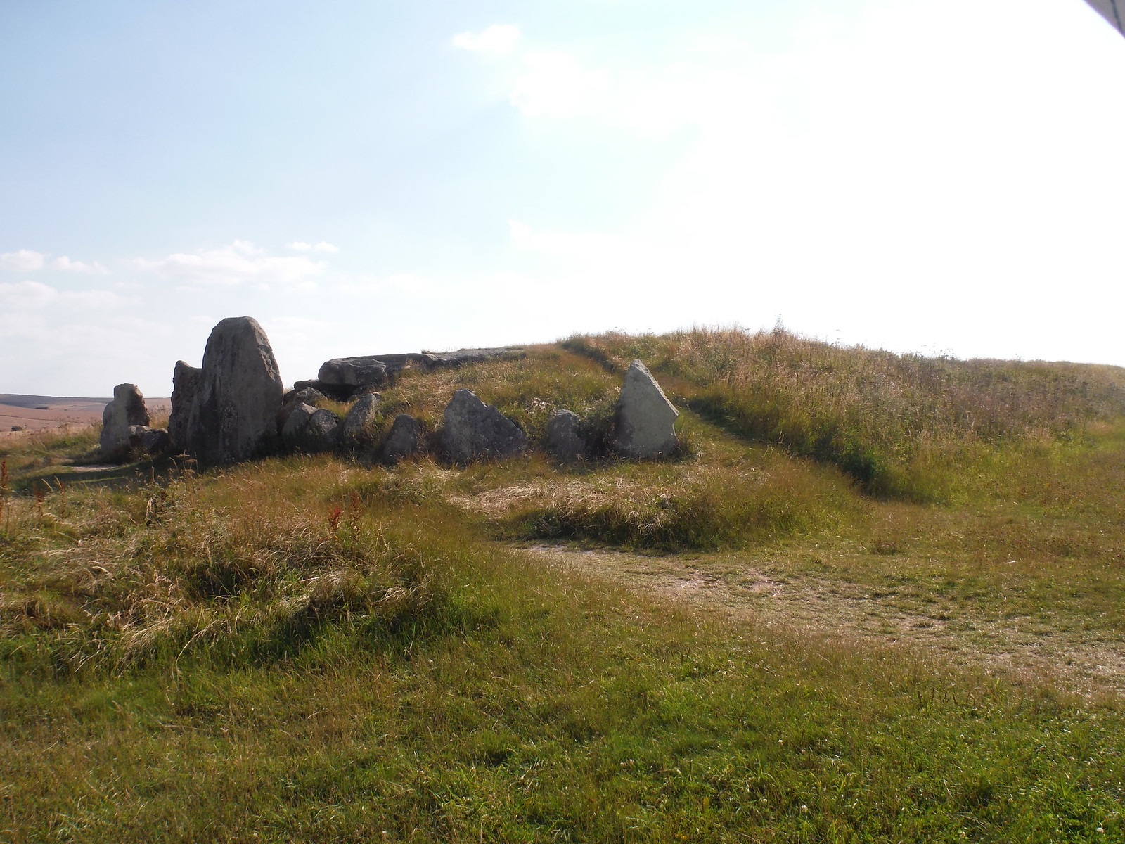 West Kennett Long Barrow SWC Walk 255 Pewsey or Marlborough Circular via Avebury