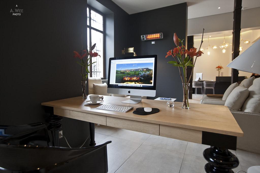 iMac in the lobby