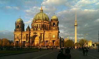 Sonnenuntergang am Berliner Dom