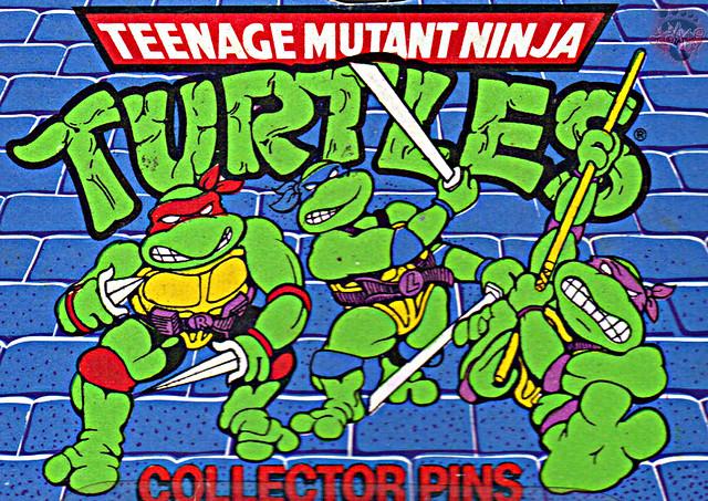 "ACE NOVELTY :: ""TEENAGE MUTANT NINJA TURTLES"" COLLECTOR PINS - No.3 'Shredder' // Card backer ii; TURTLE ART isolated (( 1989 ))"