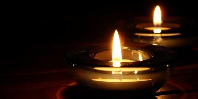 Hommage aux victimes des attentats du 13 novembre 2015 à Paris