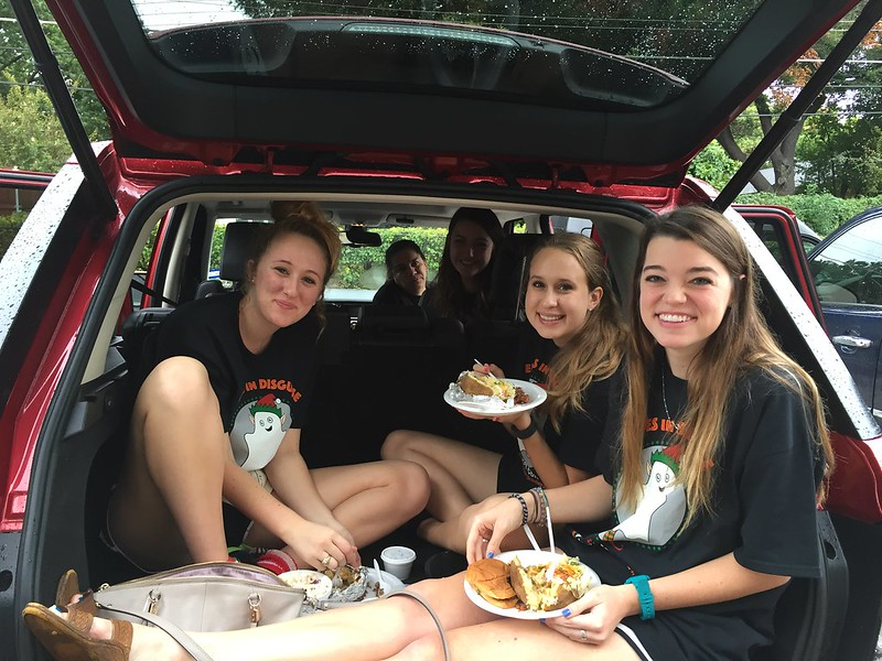Elves in Disguise 2015: Lunch range rover
