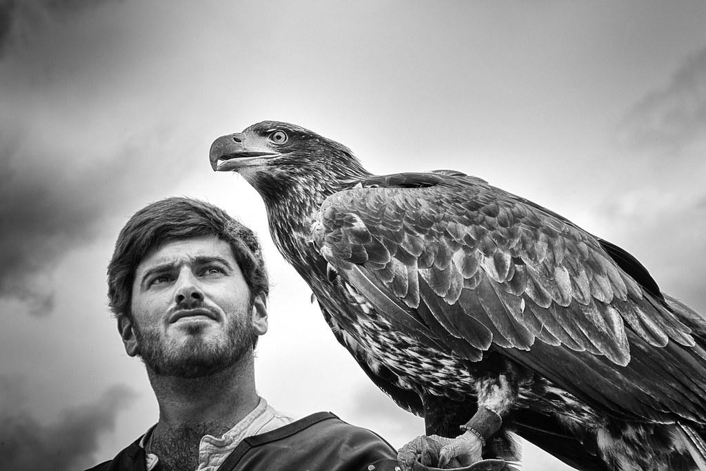 Un homme et son aigle