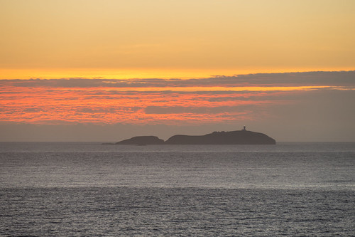 lighthouse sunrise pacificocean australia island emeraldbeach nsw dawn coastal sea
