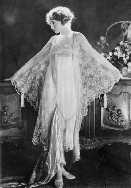 Lillian Diana Gish12