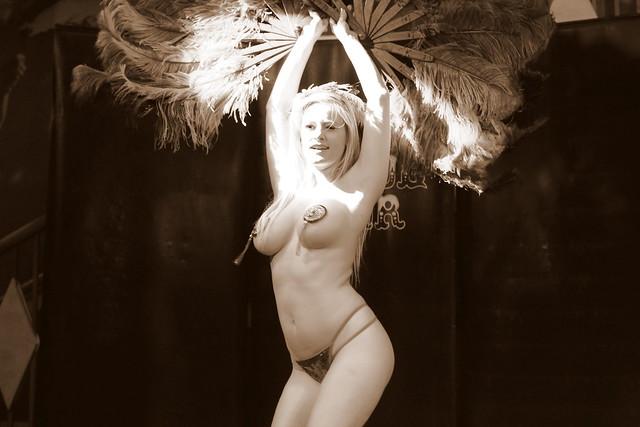 Cirque Noir Trapeze Bar (26)