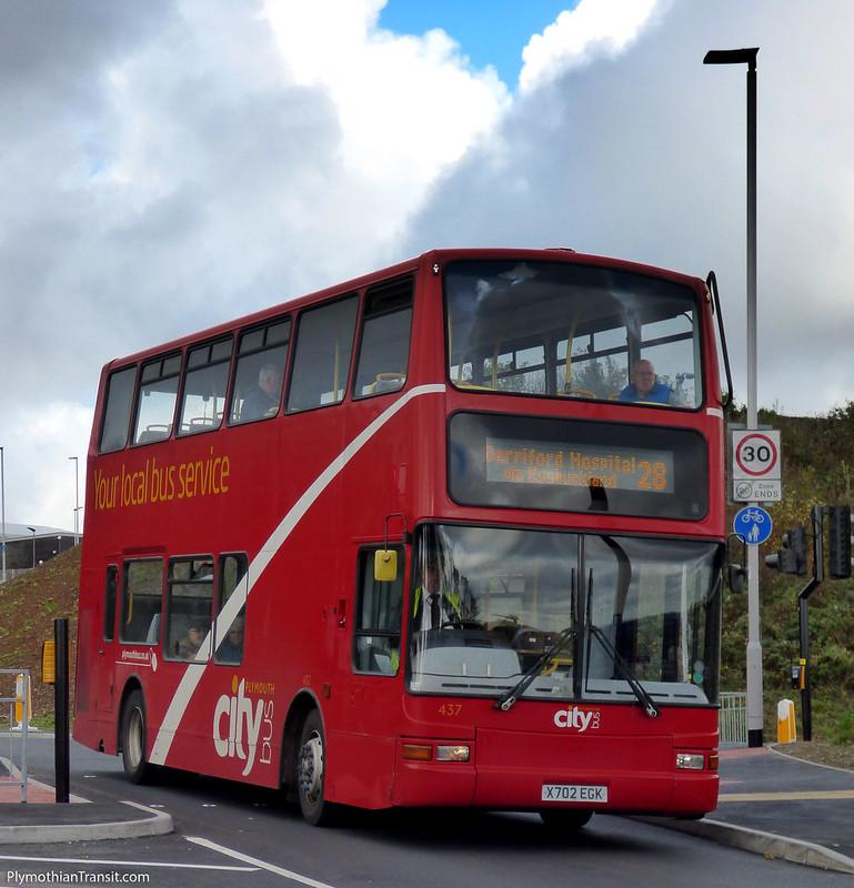 Plymouth Citybus 437 X702EGK