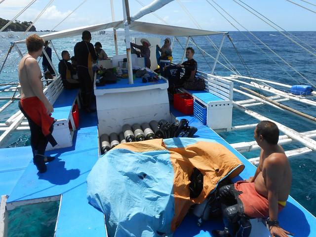 Le bateau vers l'île d'Apo