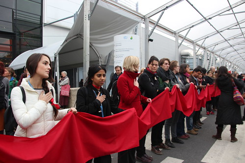 Red line from the Eiffel Tower in ther UN Blue zone at COP21