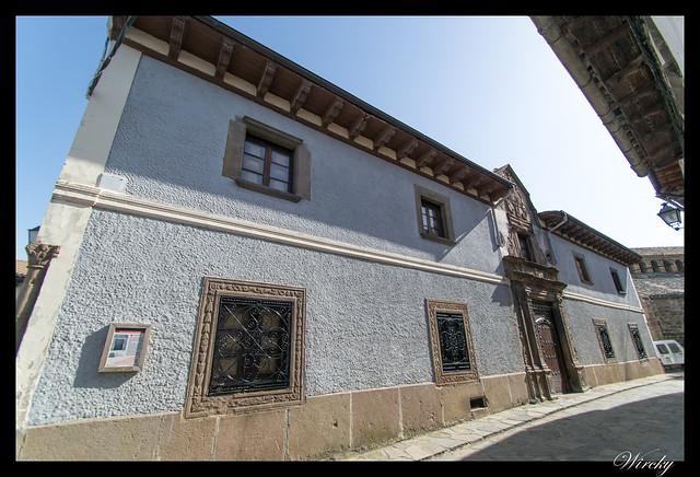 Berdún pueblos más fotografiados Pirineos - Casa de la Cadena