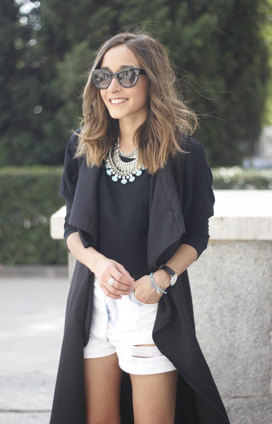 Black Vest Sheinside Shorts Outfit08