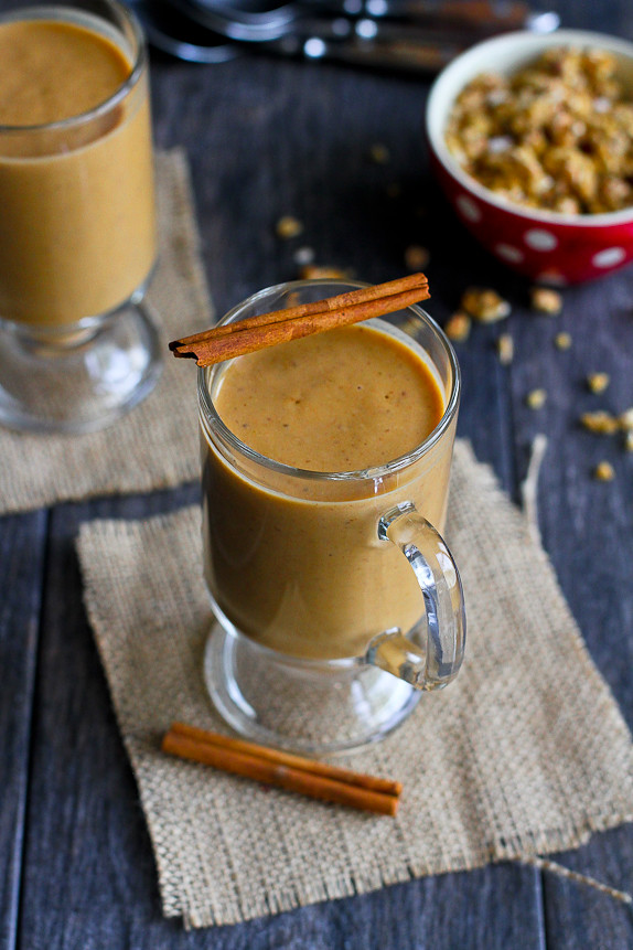 Healthy Pumpkin Coffee Smoothie... Put a little jolt into your morning smoothie! 137 calories and 4 Weight Watchers PP | cookincanuck.com #recipe