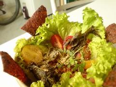 RAW lentil salad with beetroot nachos