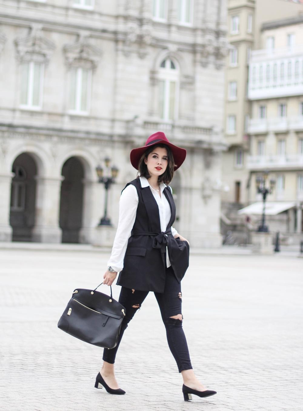 tendencia sixties zapatos bajos de tacón cuadrado con chaleco de vestir mybluberrynightsblog