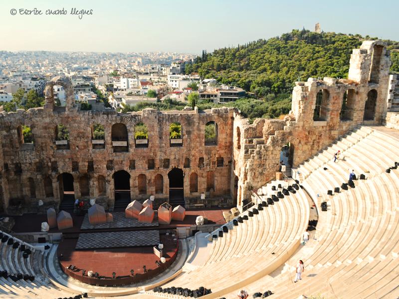 Escenario y graderío del Odeón de Herodes Ático