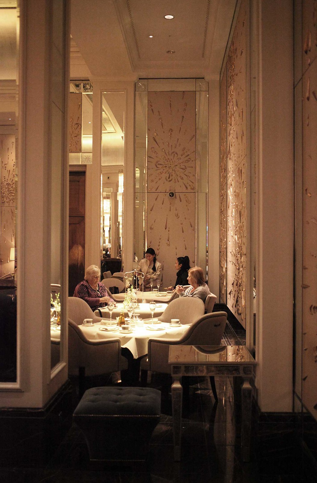 the-langham-hotel-palm-court-for-afternoon-tea