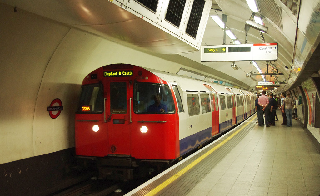 RD11281. 1972 Tube Stock at Oxford Circus.