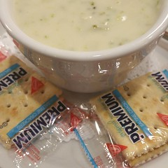 Cream of #broccoli #soup #premium #crackers #foodtography #foodscape #foodporn