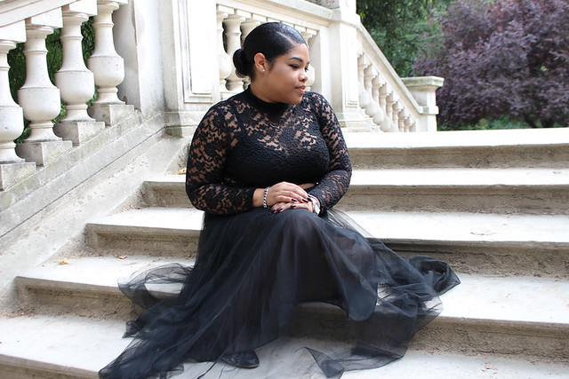h&m, goth look, tulle skirt, how to style tulle, paris, black girl, blogger, lace crop top, low bun, midi skirt, fashion, tulle, lace, princess