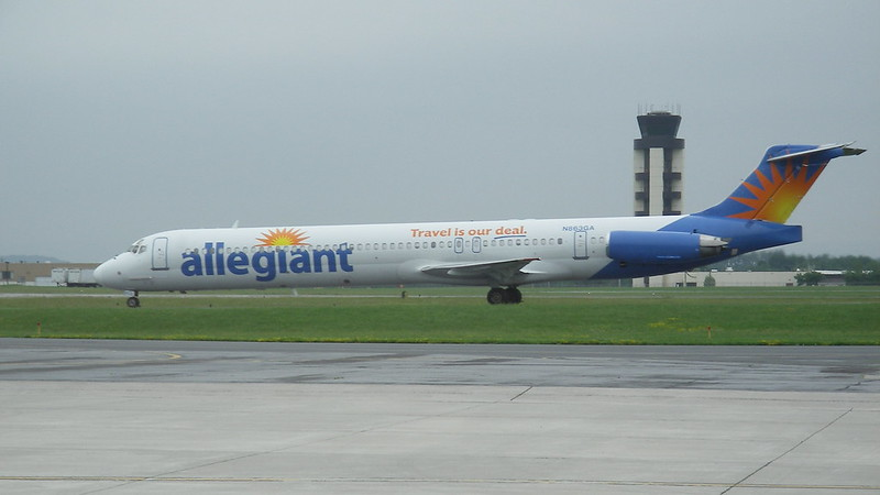 Engine-View Seats On Allegiant's MD80 - Airliners net