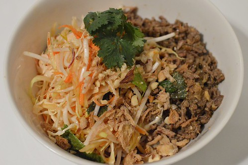 Lemongrass beef & papaya salad