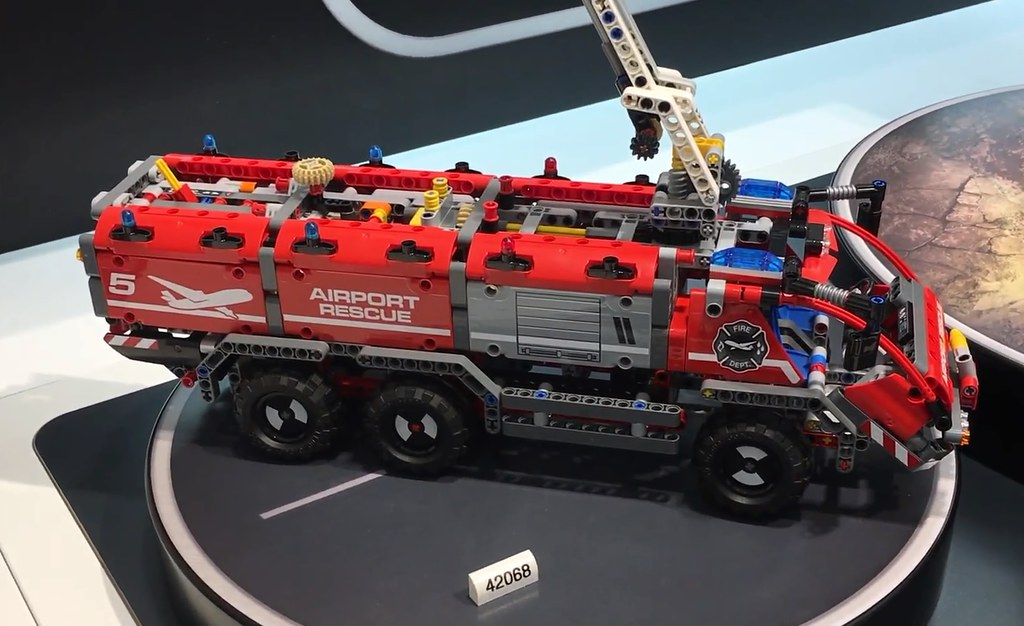 42068-2 Airport Rescue Vehicle