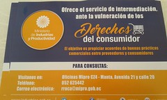 Alcaldía de Chone y MIPRO instalaron Stand de información por el día del Consumidor