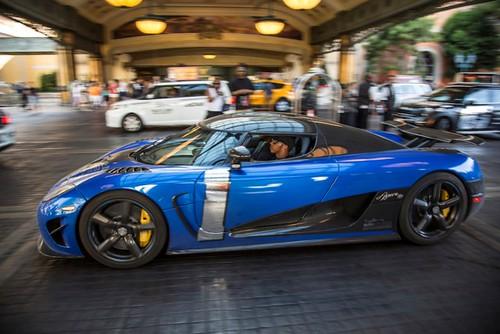 Koenigsegg-gumball-lewis-hamilton (3)