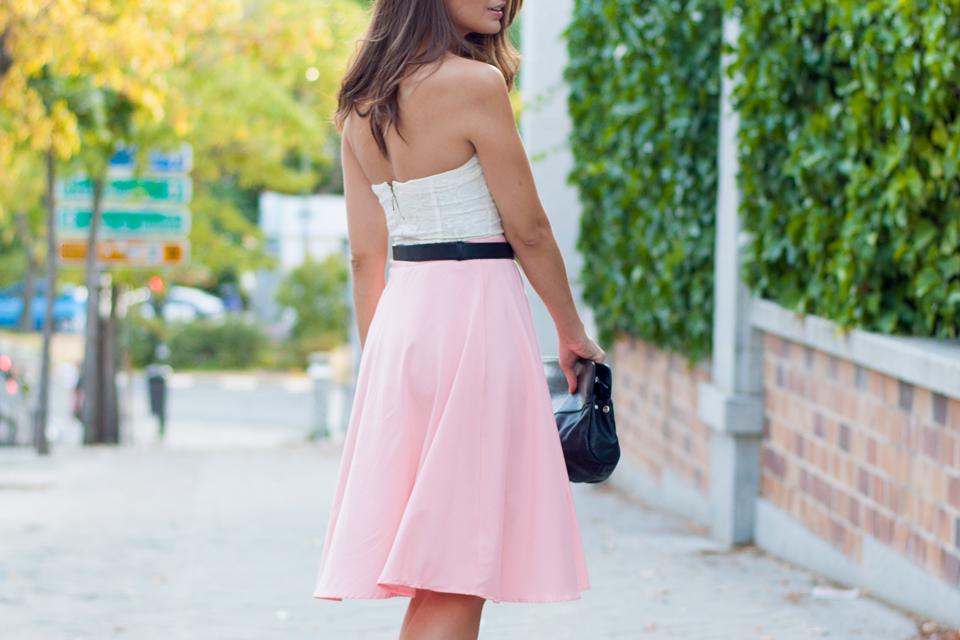 look-con-falda-midi