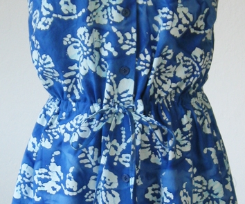 blue batik front closeup tie