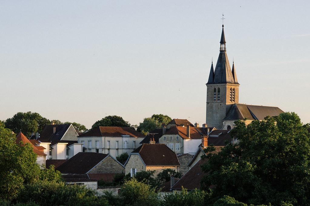 Dans l'Aube, chemins de Compostelle et via Francigena  - Carnet de voyage en France - La skyline de Châteauvillain