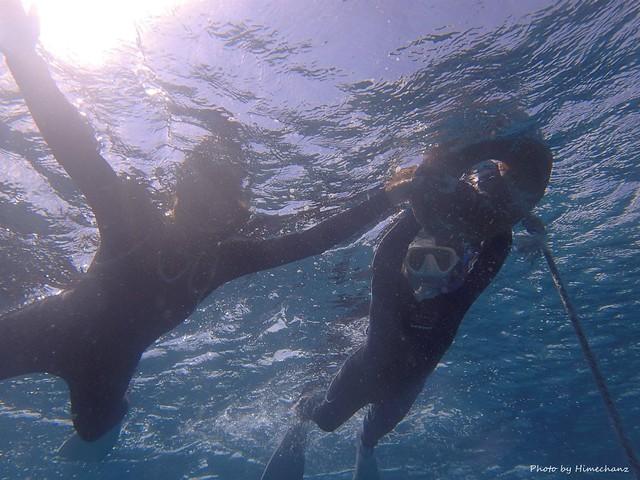 海に顔をつけるのも怖がられてましたが、無事にスノーケリングを楽しめるまでになったY母さん♪