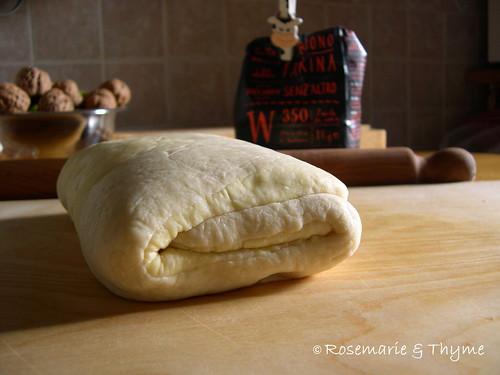 DSCN4111 - Croissant 2 blog R & T