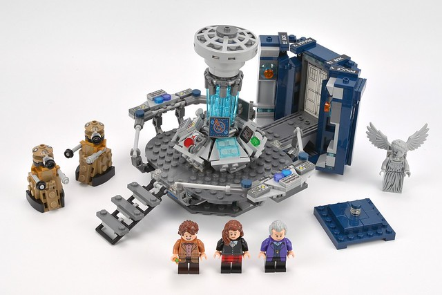 how to make a lego dr who tardis