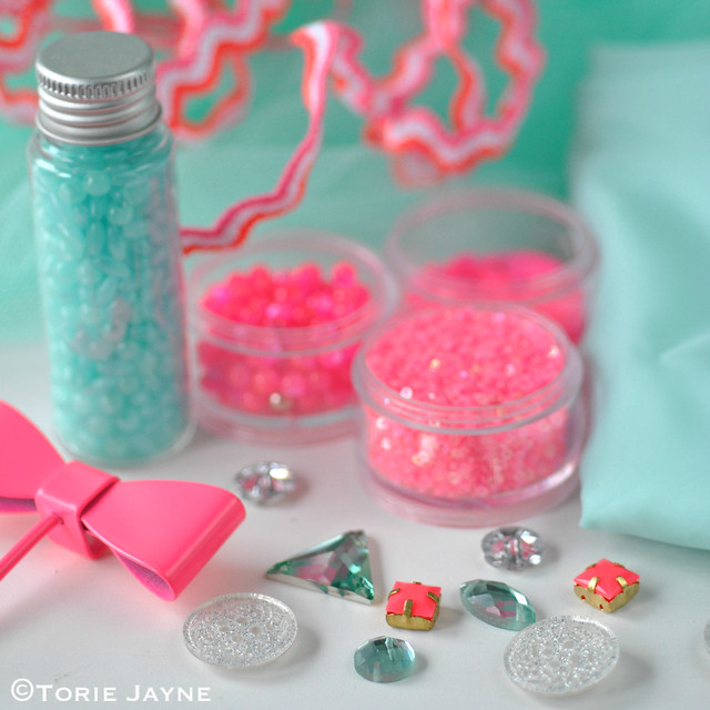 Neon pink & mint collection