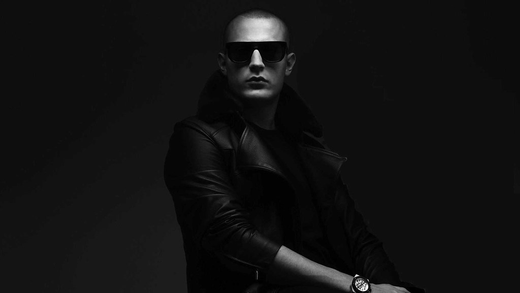 We-Are-FSTVL-DJSnake_1880_1060_50gray