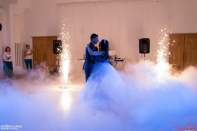 Dansul mirilor de la Exclusiv Dance Studio! iarna 90 lei o lectie! > Foto din galeria `Principala`