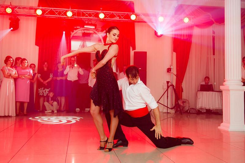 FESTIV - Show Lumini şi Efecte Speciale la cel mai accesibil preț > Foto din galeria `Principala`