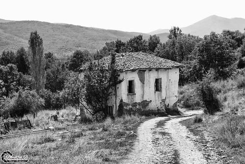 μακεδονία ελλάδα κορέστεια γάβροσ macedonian macedoniatimeless macedonia macedoniagreece greece hellas koresteia gavros ruins decacy abandoned samsungnx1 samsungnx1650228s