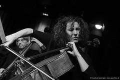 Stefan Gfrerrer: double bass / Asja Valcic: cello