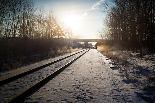 railroad csx freeland michigan mi m47 overpass underpass tracks train snow snowy frost frosty sunny sunrise winter february invierno frio chilly glow canoneos5dmarkiv