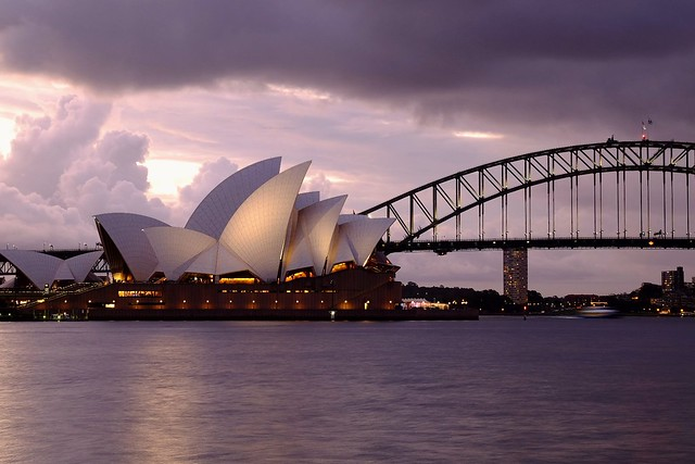 Sydney opera house ( 2 )