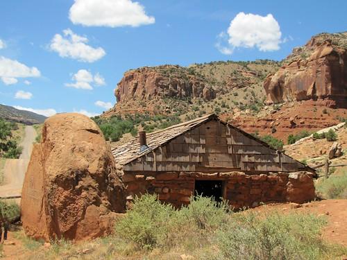 sky stone rural cabin colorado delta canyon historic highdesert escalantecanuyon