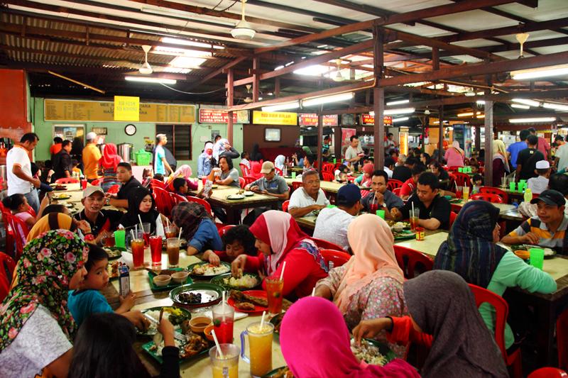 Pak-Lang-Ikan-Bakar-Food-Court