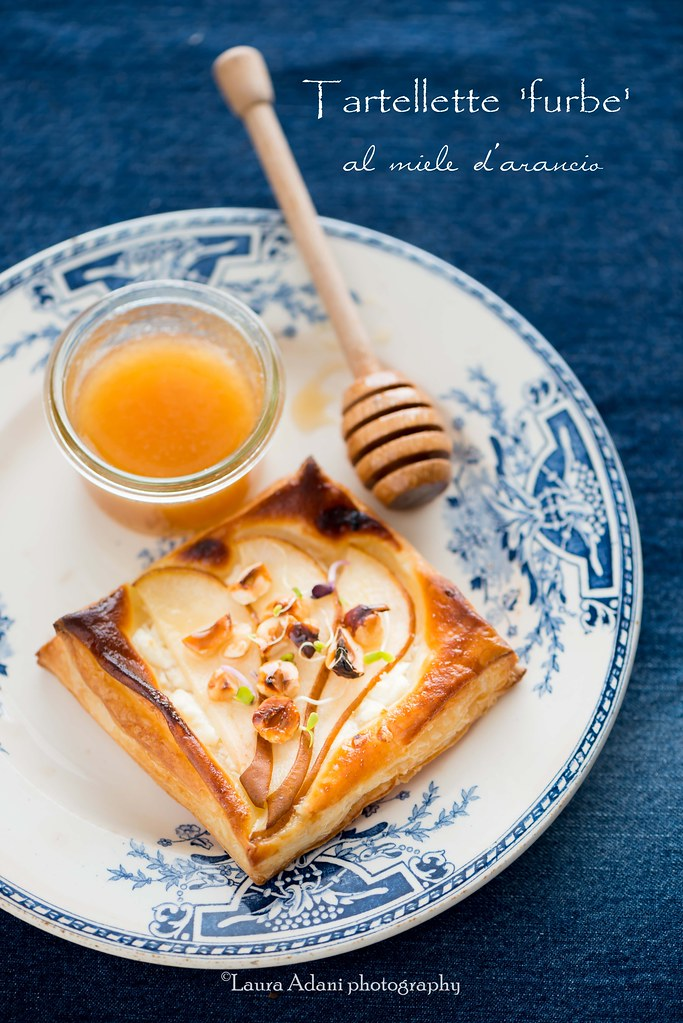 tartellette con feta pere e miele d'arancio