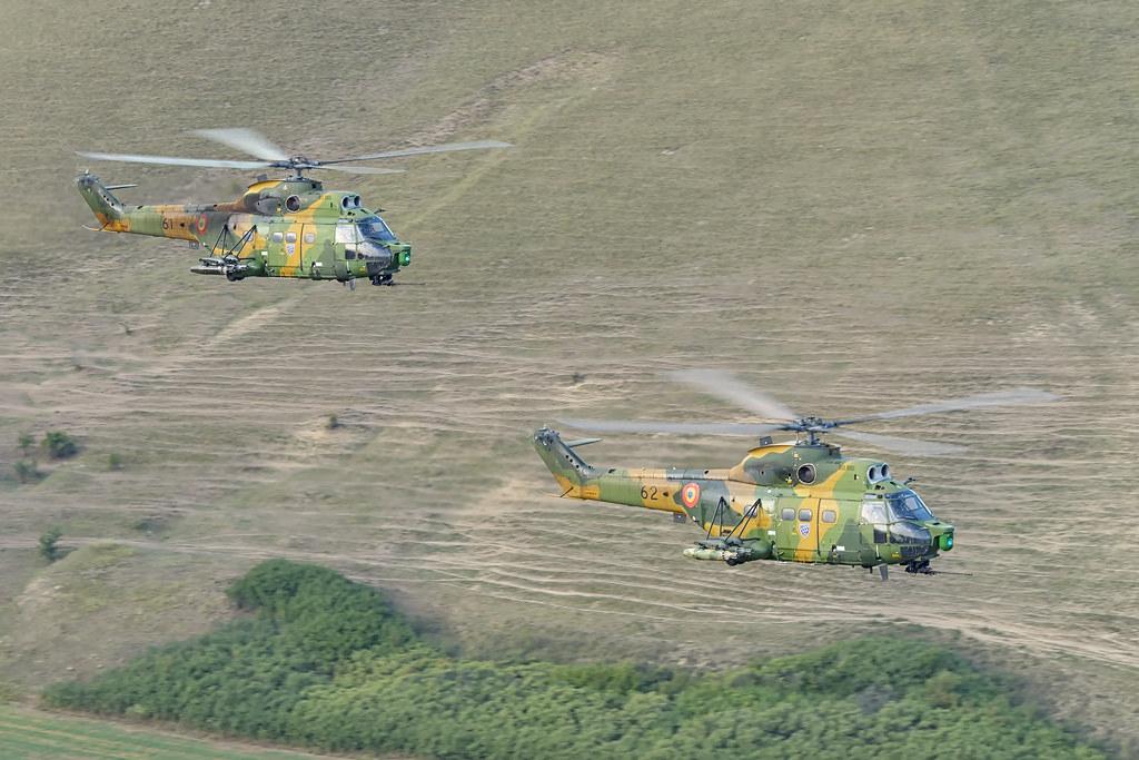 IAR 330 Puma SOCAT 21166884126_68f47bf066_b