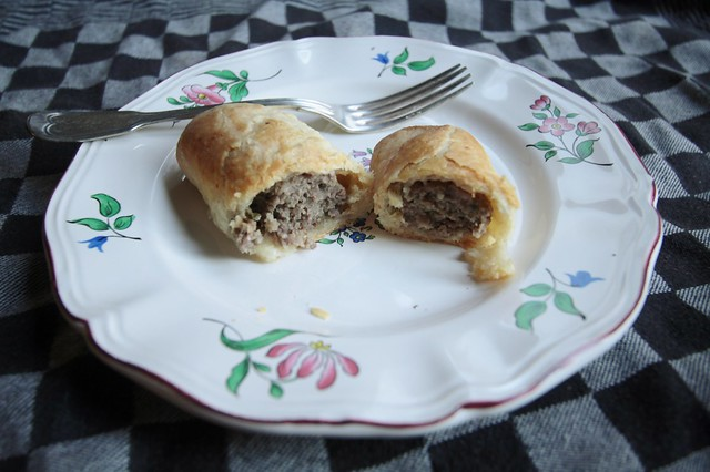 worstenbroodjes met pie-deeg