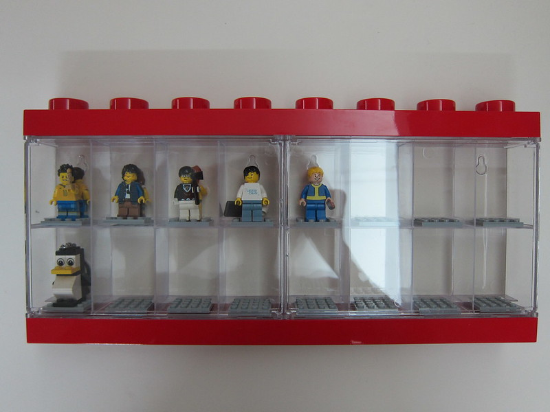 LEGO Minifigure Display Case 16 - With Minifigures