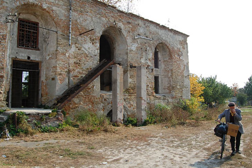 Острожчина: край замків, храмів, книг і гончарів