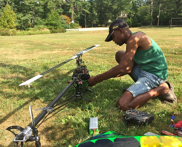 acrobatic remote control helicopter